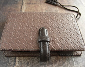 waxed houndtooth, vegetable tanned, leather planner, refillable journal, planner binder, leather binder, handstitched, cafe au lait, diary