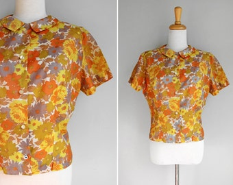 Vintage Gold Floral Button Up Blouse- Yellow Orange Flowers Peter Pan Collar Short 1960s Fitted Work Blouse- Size Medium M