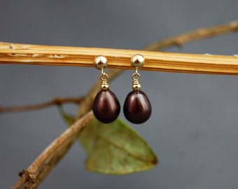 Riley - rich seal chestnut freshwater pearl earrings, dangle earrings, pearl jewelry, for her, youth, teens, woman, gift idea, stud earrings