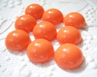 8 - Acrylic 13mm tangerine coral round cabochons - TG40