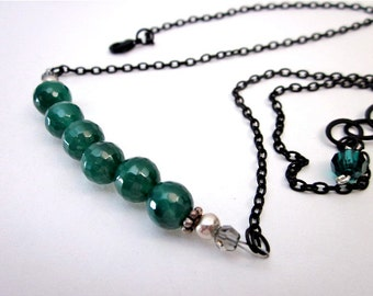 SALE -- Green Onyx Necklace -- Green & Black Necklace -- Green Onyx Jewelry -- Green Gem Necklace -- Onyx Bead Necklace