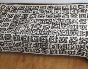 Granny square afghan blanket, natural colors, monochrome, pure wool, bed cover, patchwork, crochet, grey, white, brown, warm, cozy