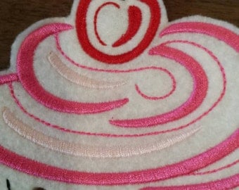 embroidered cupcake iron on patch