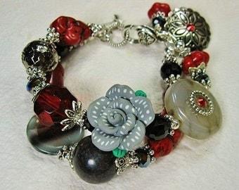 RED / BLACK Chunky Statement Polymer Clay Rose Charm Bracelet - GReY RoSe