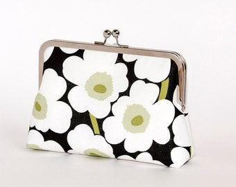 Marimekko poppy print silk lined floral clutch, Scandinavian fabric, Bag Noir, Bridesmaid clutch, Weddings bride formal clutch purse