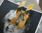 vintage brass / brass earrings / brass studs / BRASS RIBBON STUDS
