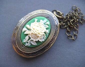 Victorian Cameo Locket - Victorian Jewelry - Cameo Necklace - Victorian Necklace - Locket Necklace - Flower Cameo Locket - Green Cameo