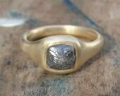Rough Diamond Ring - Diamond Engagement Ring - Gray Rough Diamond and gold Ring -  Solitaire Ring - Alternative Engagement Ring