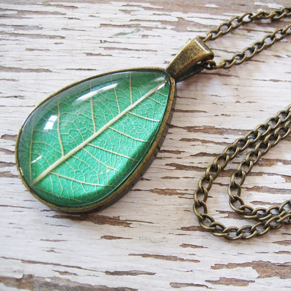 Real Leaf Necklace - Kelly Green and Antique Brass Botanical Teardrop Necklace