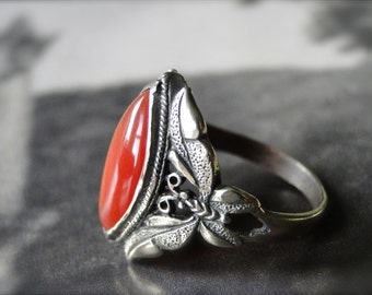 Vintage Sterling Silver Ornate Ring......Carnelian Glass Stone, Filigree Setting, Statement Ring, Gift , Vintage Mid Century Ring