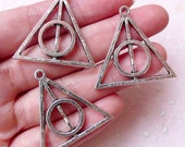Silver Deathly Hallows Charms (3pcs / 32mm x 31mm / Tibetan Silver / 2 Sided) Bracelet Link Dark Wizard Keychain Zipper Pull Charm CHM1384