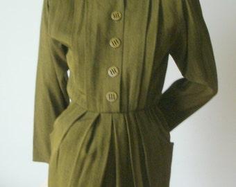 80s vintage olive green military detail epaulet pleated rayon wool shirt day dress Chetta B Peter Noviello Sherrie Bloom Sm