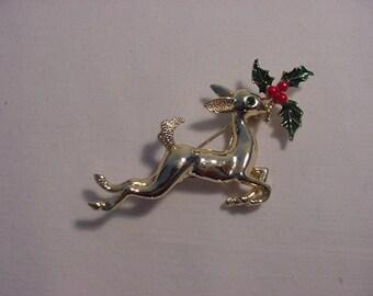 Vintage Reindeer And Holly Christmas Brooch    14 - 48