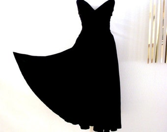 Vintage Black Velvet Party Dress - 70s Black Velvet Bias Cut Dress - Spaghetti Strap Dress - Black Velvet Bombshell Dress - Size Medium 8