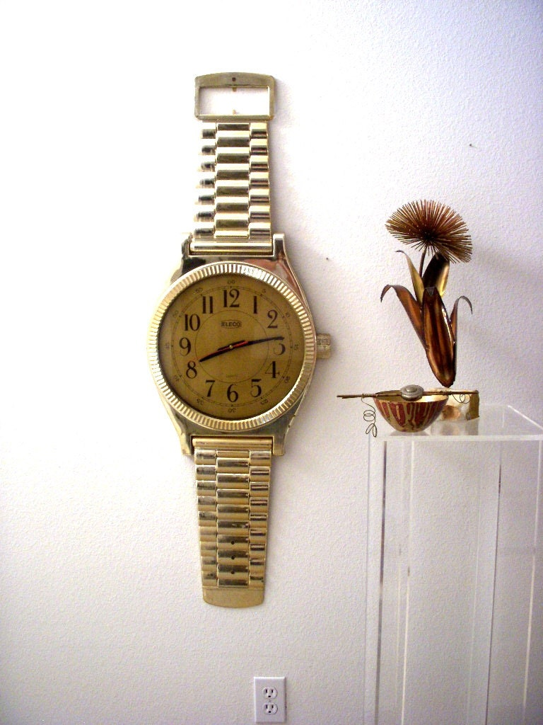 Huge Vintage Wrist Watch Wall Clock 3 1 2 Foot Tall Novelty