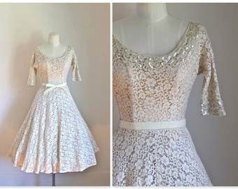vintage 1950s wedding dress - GLOW ivory lace 50s gown / XS