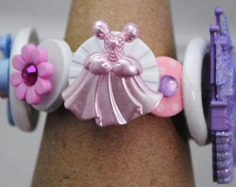 Little Girl's Button Bracelet/PrincessTheme/OOAK/Charm Bracelet/Gift/Expandable/Under 15 USD