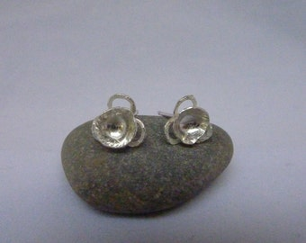 Circle flower stud earrings: Handmade, sterling silver