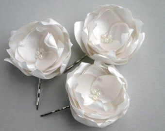 Bridal Hair Pieces, Handmade Ivory Flower Hair Pins, Ivory Headpiece, Flower Hairpieces, Flower Hair Clip, Wedding Head Pieces, Floral Pins