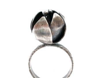 Flower Bud Ring in Oxidized Sterling Silver- Botanical Ring - Size 7.5 - Metalsmith Flower Ring - Rustic Flower Ring - Flower Jewelry