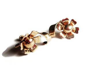 Vintage 1940s Retro Gold Tone Flower Earrings