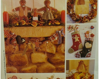 Gingerbread Christmas Decorations Pattern, Garland, Wreath, Stocking, Ornaments, McCalls No. P357 8946 UNCUT