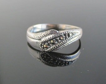 925 Sterling Silver & Marcasite Ring - Vintage, Size 7