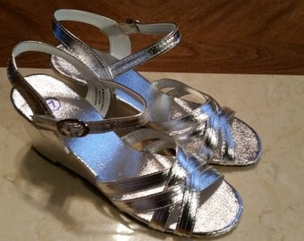 Vintage Dead Stock Silver Shoes Size 7 Slingbacks Ankle Straps Wedge Heels 1970s Never Worn