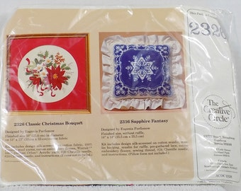 Creative Circle Needlework kit Classic Christmas Bouquet Sapphire Fantasy kit 2326