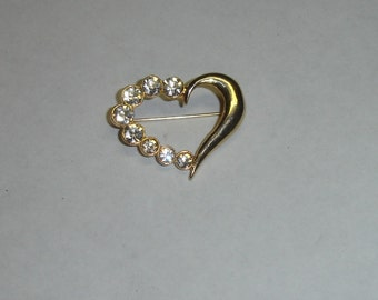 Vintage Gold Plated Open Heart Pendant with Sparkly Rhinestones