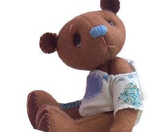 Toffee a felt soft toy teddy bear sewing kit
