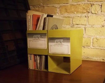 Metal Standing Magazine File, Puplication Organizer, Yellow Metal Shelf File, College Library, Reading, Paperwork Office Organize Stand Up