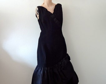 1960s Cocktail Dress - black party dress - mad men vintage size M