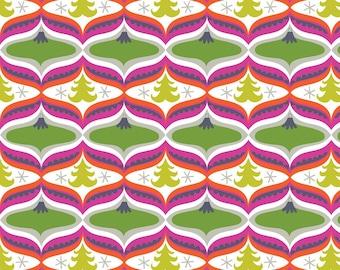 Christmas Fabric by the Yard Maude Asbury Fabric Garland in Green Treelicious for Blend Fabrics One Yard