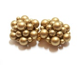 Gold Pearl Clusters  Clip Earrings 1950s Hong Kong  Beaded Earrings Vintage Pearls  1950s Fashion  Costume Jewelry Vintage Hong Kong