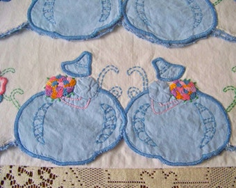 Vintage Pillowcases Blue Bonnet Girl Embroidered Applique Pillowcase Set Crochet Trim Little Girls Pillowcases Linen Nursery Rhyme 1960s
