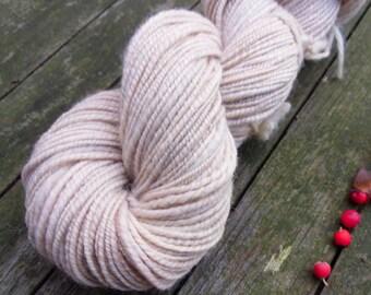 Handspun Polwarth Wool Yarn, apricot, oatmeal beige, 100g, soft handspun yarn