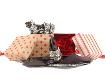 Gift Wrapping For Your Spoonier Purchase in Decorative Box with Bow Option