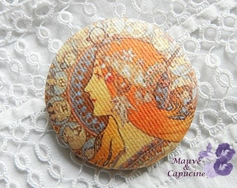 Button out of fabric,printed Art Nouveau