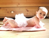 Ruffle Diaper Cover - Newborn 0 - 3 months baby girl frilly nappy cover. Baby Bloomers, Newborn Photo Outfit, baby girl christening outfit.