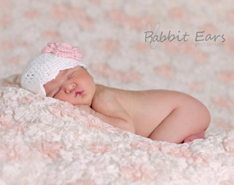 Crochet Newborn Hat with Interchangeable Flowers - Photography Prop