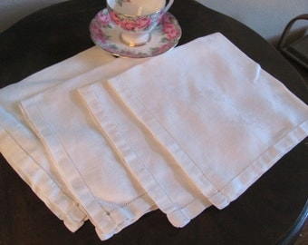 Set of 4 Vintage Solid Ivory Damask Linen Napkins 16 x 16 Sqaure