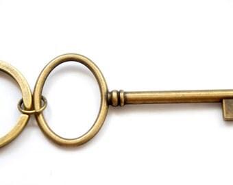 Short Butler Key - Antiqued Brass Vintage Style Skeleton Key Key Ring - KR10