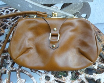 Vintage Light Brown Gold Tone Shoulder Purse/Handbag Small Made in England Letisse 1950s to 1960s Kiss Lock Leather