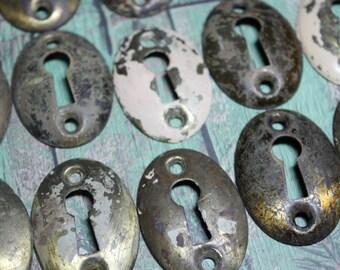 1 Vintage Brass Oval Keyhole
