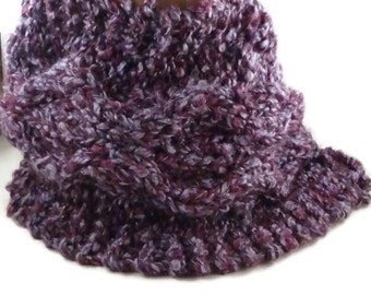 Knit Chunky Scarf, Purple  knitted Cowl , Winter Fashion scarf, chunky knit scarf with buttons, Handmade Ready to Ship