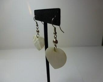 Vintage Earrings Heart Shaped Pierced Earrings Mother of Pearl Heart Shaped Dangle Earrings