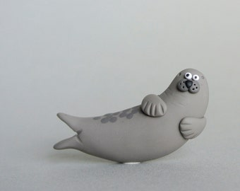 Common Seal Brooch - Handmade sea mammal jewelry - unisex pin gift in grey - harbour seal