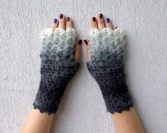 Fingerless Gloves Crocheted crocodile stitch mittens - white charcoal Transitional