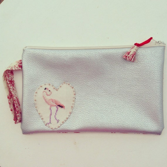 pochette broderie flamant rose aisy
